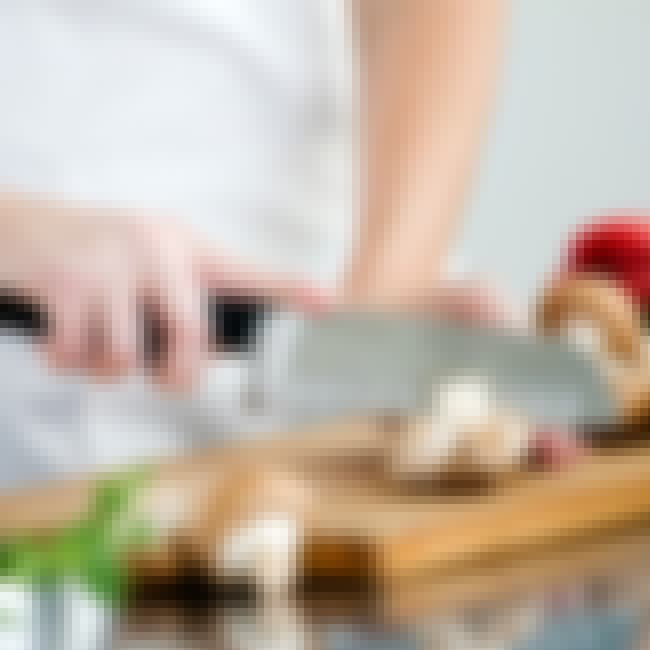 Know Cooking Basics      is listed (or ranked) 1 on the list Things You Should Know How to Do Before You Turn 30